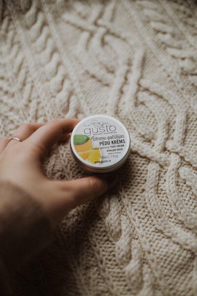 Citronu-pačūlijas pēdu krēms